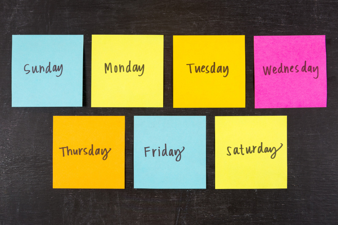 Days of the week on sticky notes